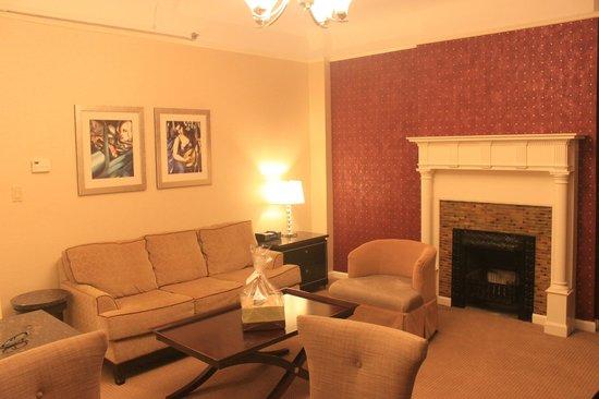 Hotel Metro : living room 1206