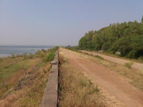 Gangapur Dam: besides the dam