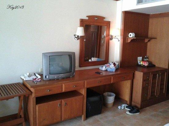 Sun Hill Hotel : tv