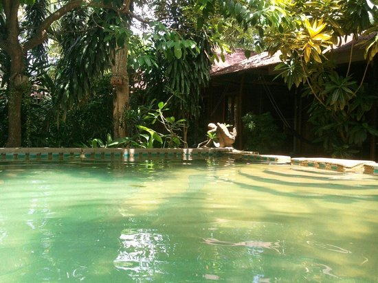 Tropical Garden Bungalows: April 2012