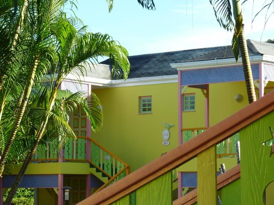 Grand Pineapple Beach Negril: Great colour scheme :-)