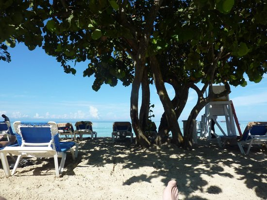 Grand Pineapple Beach Negril: Nice quiet beach :-)