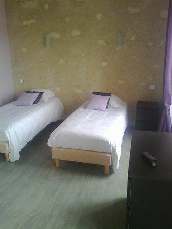 Terre de Brenneay-le-Ferron : chambre à 2 lit