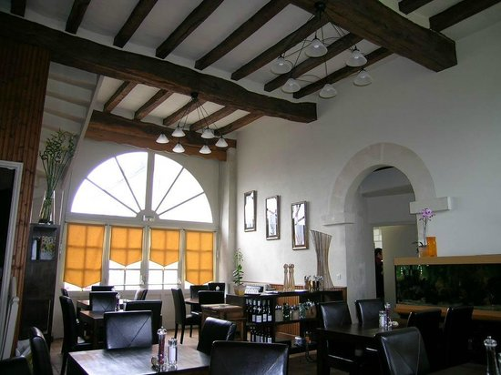 Terre de Brenneay-le-Ferron : salle de restaurant