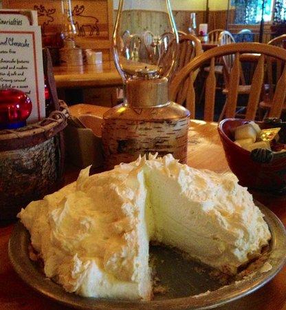 Lemon Wolf Cafe : Award Winning Pies!