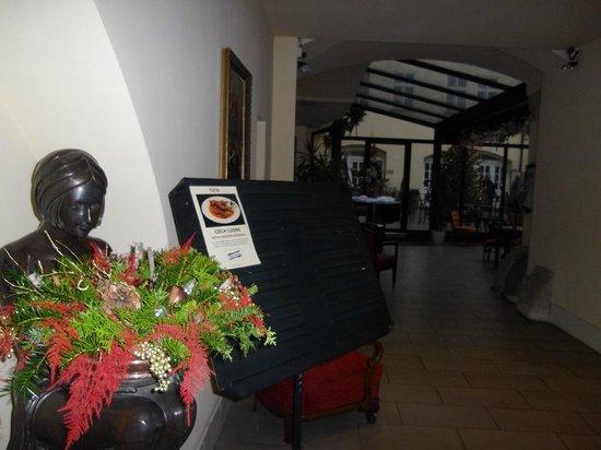 Hotel Leonardo Prague : Холл ресторана
