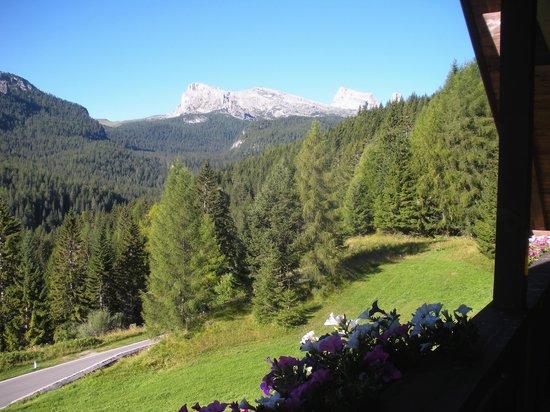 Hotel Piccolo Pocol: Morning view from room balcony towards right