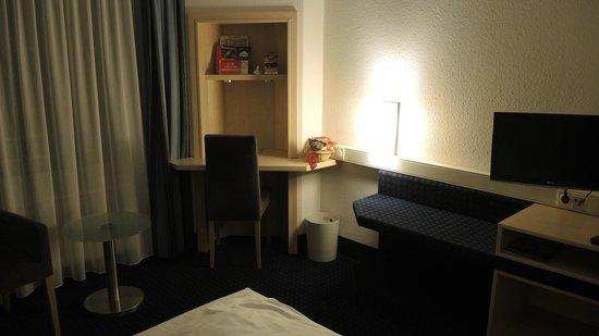 IntercityHotel Kiel : Mit Schreibtisch