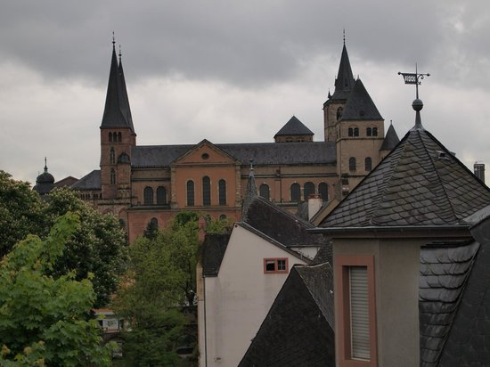 Altstadt Hotel: View of the cathedral from my room.