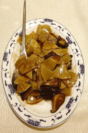 Bambù e funghi