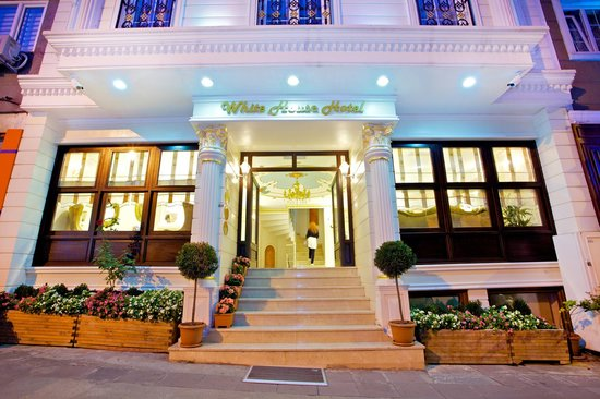 Hotel Entrance (84317901)