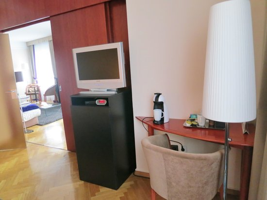 BEST WESTERN Premier Hotel Slon: Bright and large rooms