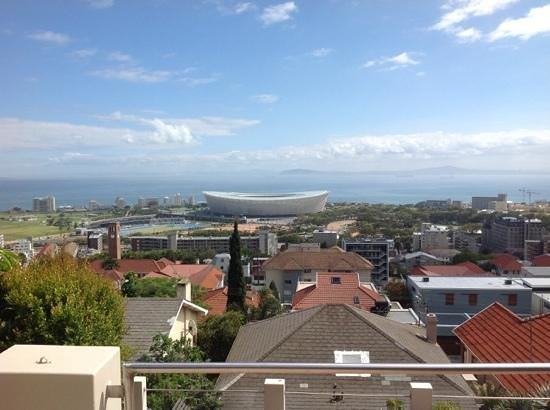 Bluegum Hill Guesthouse and Apartments: Balcony view