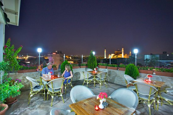 White House Hotel Istanbul: Terrace