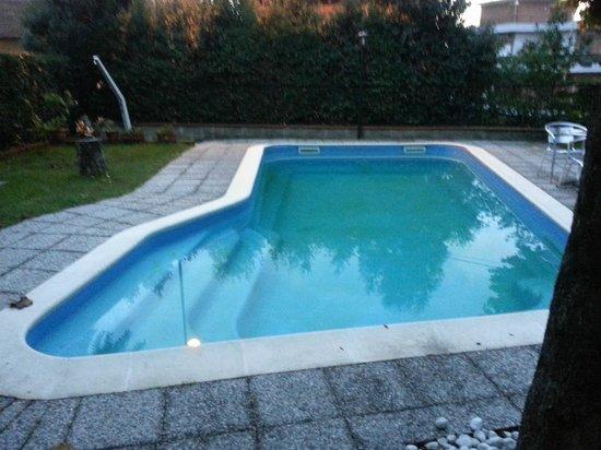Piccola piscina picture of casa rossa montecatini terme - Piccola piscina ...