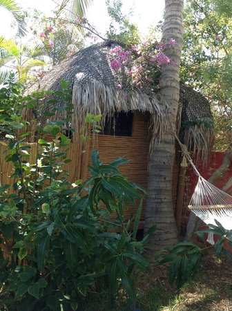 Palapas Resort : Tiki Hut 3