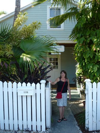 The Grand Guesthouse : Mrs H Posing