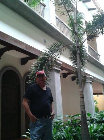 Hotel Los Portales: entrada al hotel