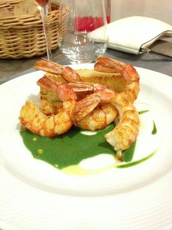 Aux Plaisirs Gourmands : gambas snackees a l'huile d'olive risotto arborio au parmesan jus au vert