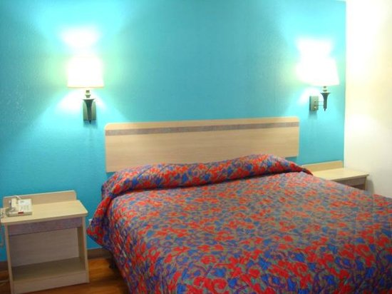 Motel 6 Norcross: Kign Room