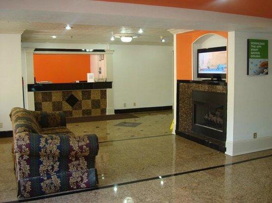 Motel 6 Norcross: Lobby