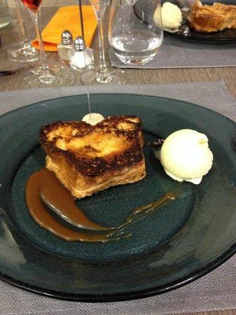 Aux Plaisirs Gourmands : brioche perdue sauce caramel au beurre salé
