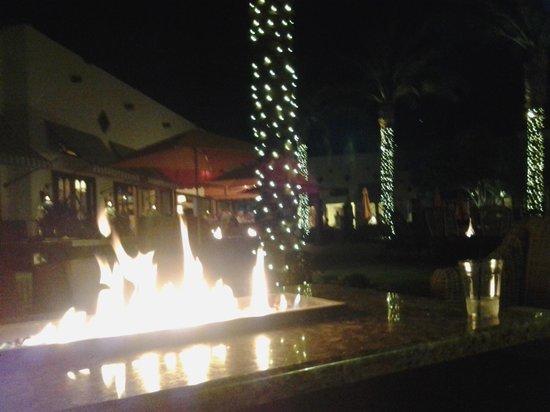 The Wigwam: Wigwam Bar at night.