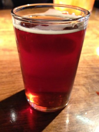 Southend Brewery & Smokehouse: Rip Tide Red Ale