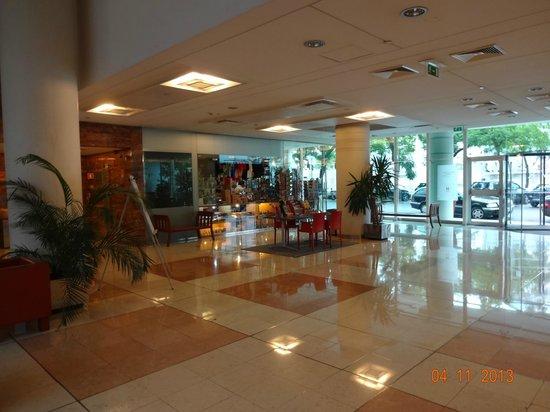 VIP Executive Entrecampos Hotel & Conference: Loja de souvenirs