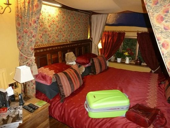 Wizards Thatch at Alderley Edge: Wizardry main bedroom