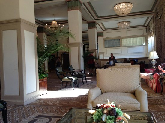 Francis Marion Hotel: Lobby of the hotel.
