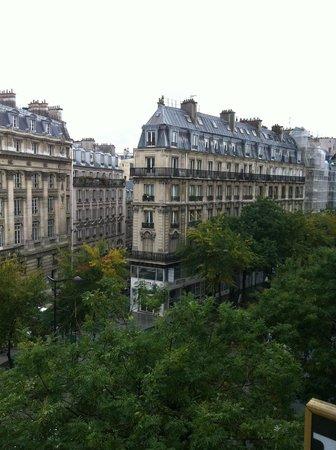 Hotel de l'Exposition - Republique: Fourth floor
