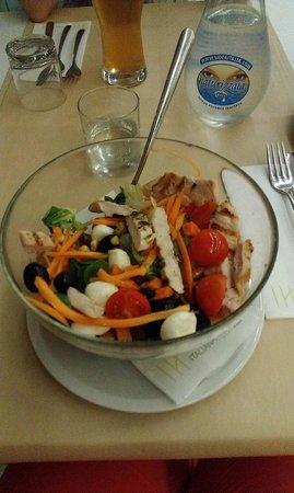 Italiana Hotels Florence: Порция салатика на ужине