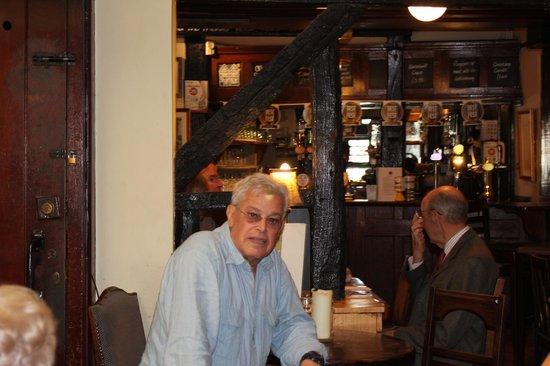 The Garrick Inn: Enjoying the English Pub experience