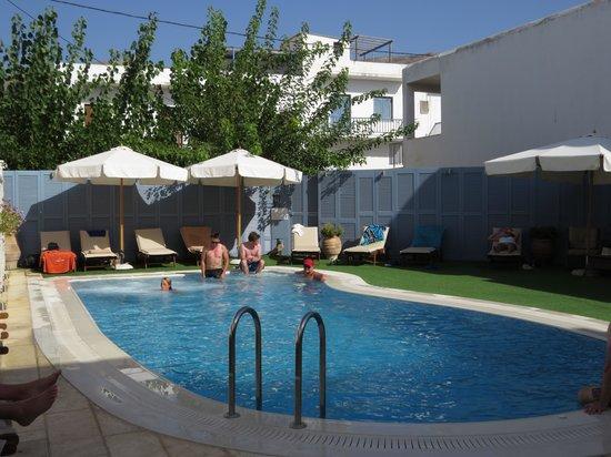 Anna Platanou Hotel: pool at hotel