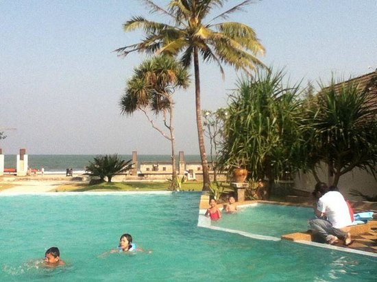 Belle Resort Hotel: the pool and kiddy pool