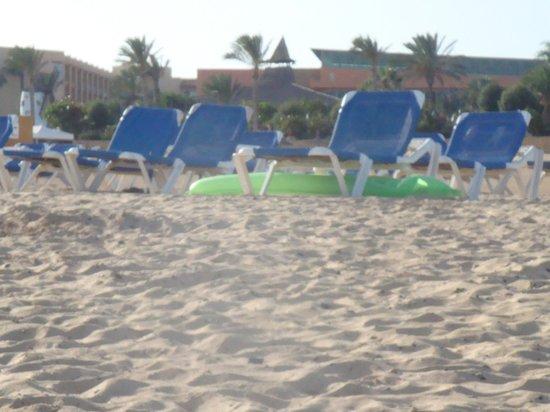 Aparthotel Caleta Garden: praia