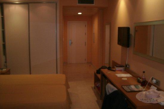 Hotel Mediterraneo Benidorm: room