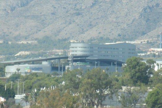 Hotel Mediterraneo Benidorm: bus station is 2 miles walk