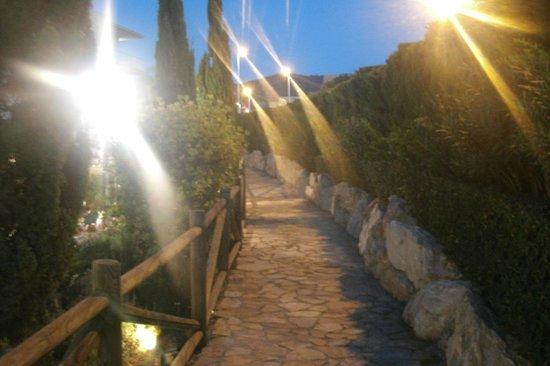 Hotel Mediterraneo Benidorm: walk to playground