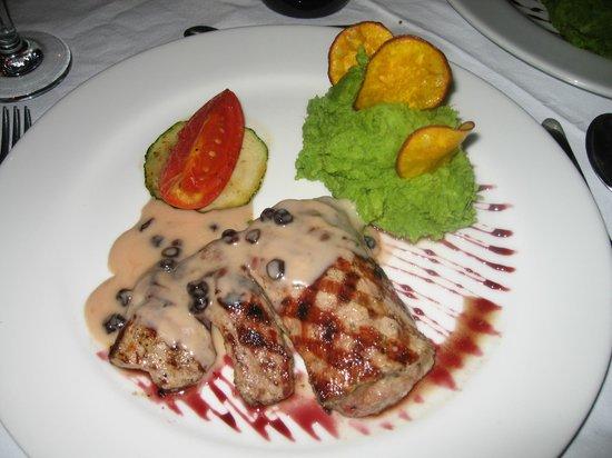 El Albergue Restaurant: alpaca steak