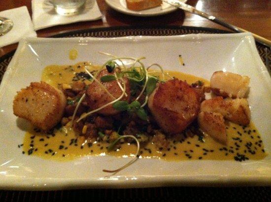 A Table Apart: Seared sea scallops w/ corn hash