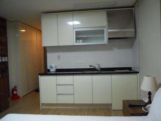 The Residence Yeongjong: キッチン