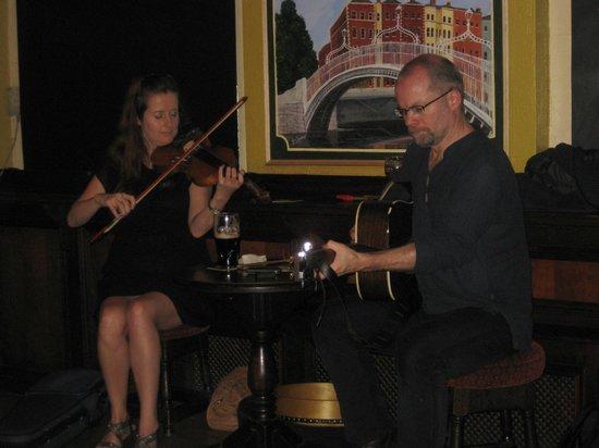 Traditional Irish Musical Pub Crawl : Great Music