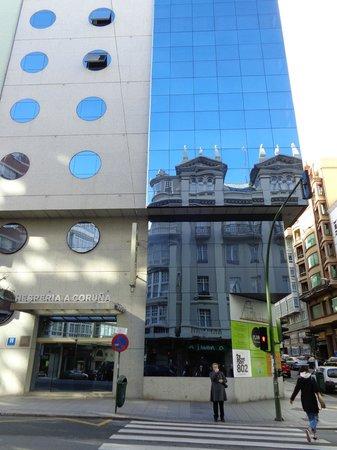 NH A Coruña Centro: Hotelfront