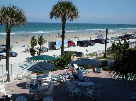 Days Inn Daytona Oceanfront: Balcony view