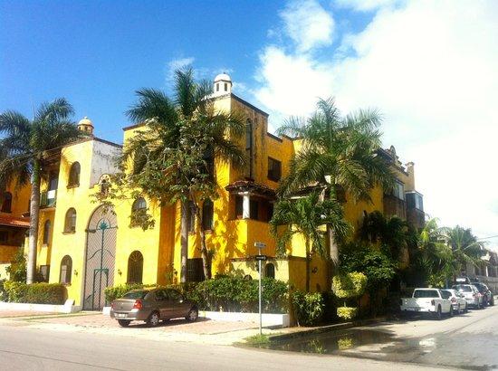 Playa Mexican Caribe B&B: Ecco la facciata della bellissima B&B!!!