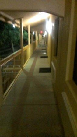 La Quinta Inn Fort Myers Central: pasillo