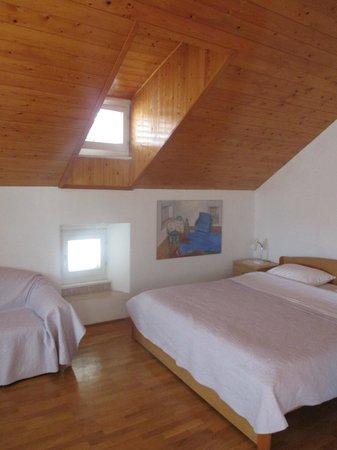 Apartment Peppino: room/suite