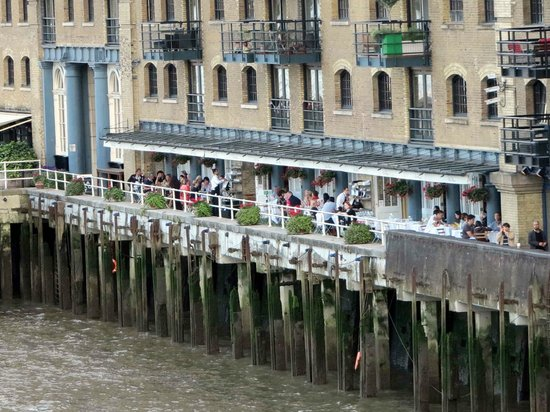 The Butlers Wharf Chop House : London Chop House from Tower Bridge